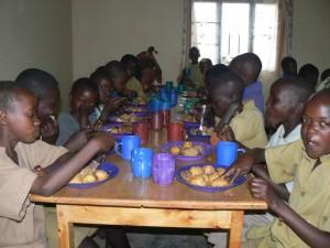 Il pranzo dei giovani alunni